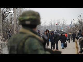 Бойцы ЛНР на фоне позиций ВСУ поздравили женщин Донбасса и пообещали их защитить