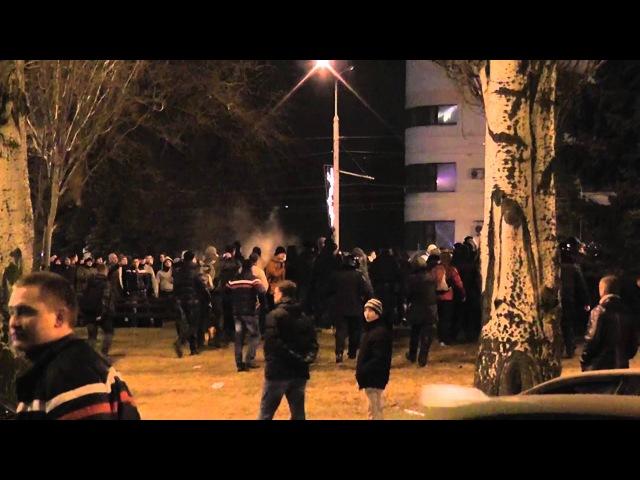 5 марта 2014. Донецк. Пророссийские активисты напали на мирный митинг в Донецке