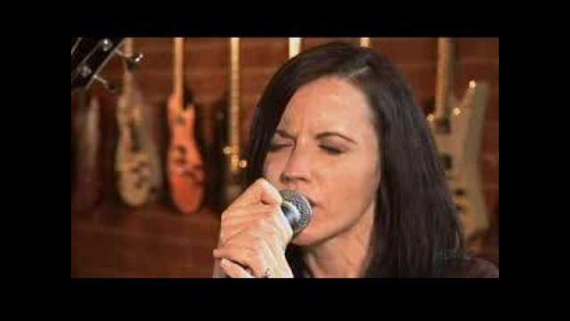 Dolores O'Riordan - Zombie @ True Music on HDNet