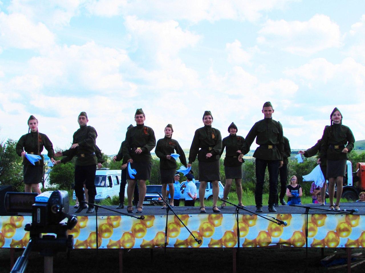 Хореографическая группа народного ансамбля песни и танца «Вишенка»