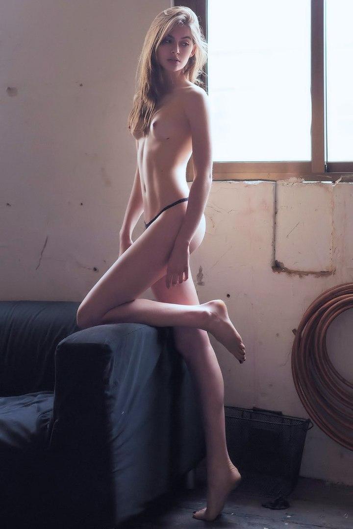 Free nude pics of krista allen