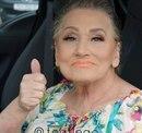 80-летняя бабушка попросила внучку сделать ей макияж и в результате стала интернет-сенсаци…