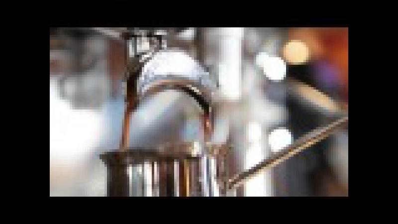 Ein Barista besucht TOTAL! Mission: Der perfekte Latte Macchiato.