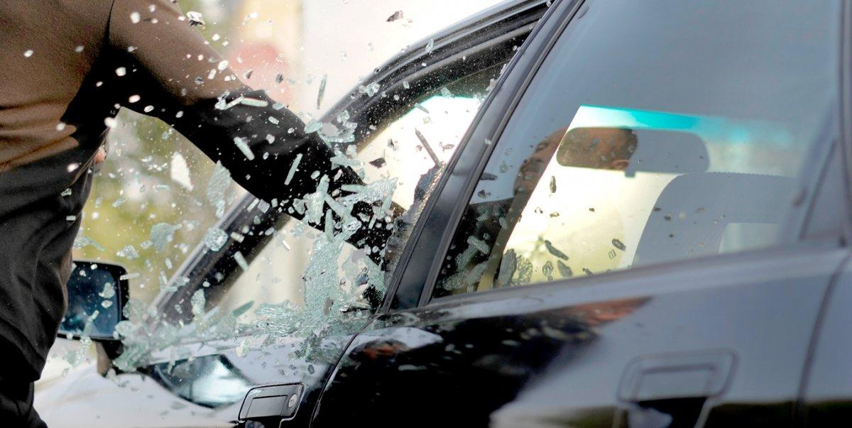 В Таганроге сотрудники угрозыска задержали серийного автомобильного вора