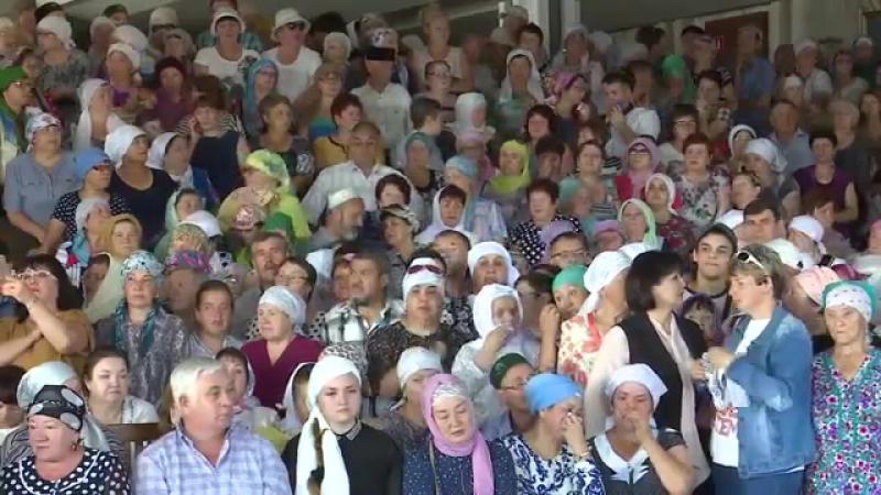 Хәния Фәрхи белән хушлашу. Камал театрыннан онлайн-трансляция