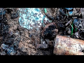 Немецкий блиндаж с хозяевами и два шурфа | EE88