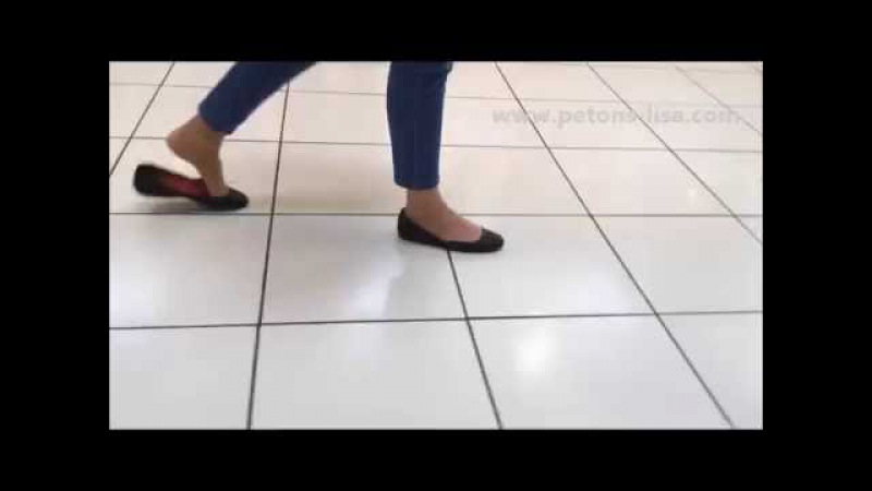 Candid heelpopping and shoeplay in loose black flats