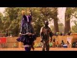 индеец танцует под музыку astrix