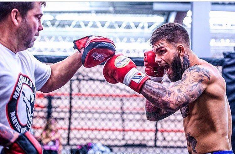 Коди Гарбрандт готовится к своему поединку на UFC 207