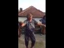 танцуют все😅😅😂
