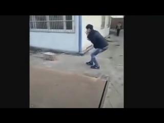 Страшные розыгрыши прохожих. Убийство людей на улицах. Жестокие приколы! Ужасный ПРанк