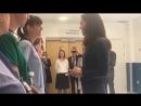 Кэтрин общается с медперсоналом Госпиталя Королевского Колледжа, 12.06.2017