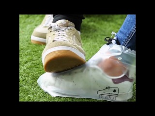 Модные калоши для кроссовок. This is how you keep your sneakers clean forever 😂