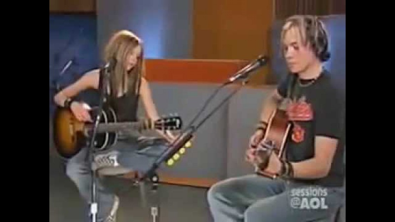 Avril Lavigne Nobody's Home Live Acoustic AOL Sessions 2004