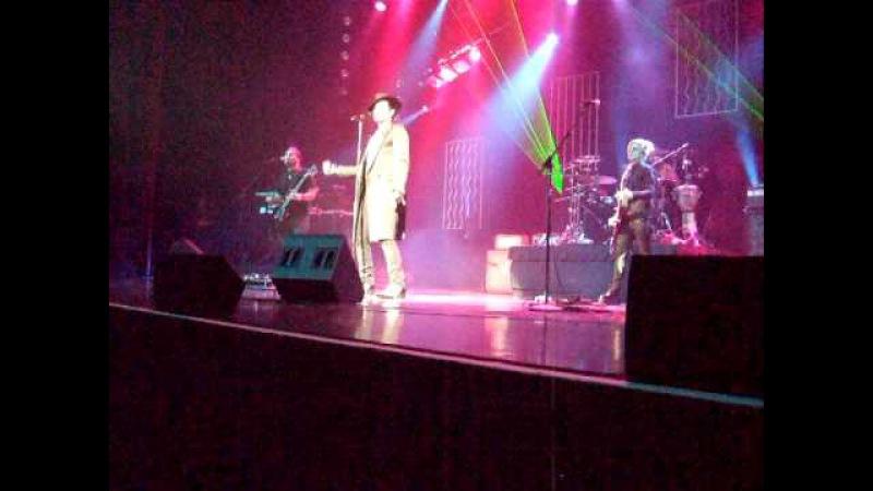 Adam Lambert River Rock Casino FYE Vancouver BC April 9, 2010