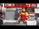 Скиппер работает в МакДональдсе Мама Барби Маша и Медведь