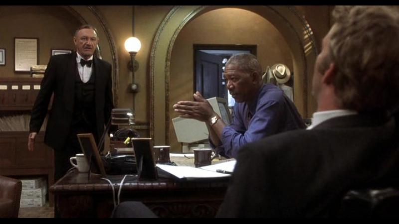 фильм Под подозрением (2000 год) В ролях: Джин Хэкмен, Морган Фриман, Томас Джейн.