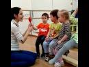 Интересные и полезные музыкальные занятия с детками в нашем мини-саду Какаду! 👫👂🎶🎼🎻 Мамы отдыхают, детки занимаются, развиваются