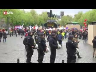 Десятки тысяч немцев вышли на демонстрацию