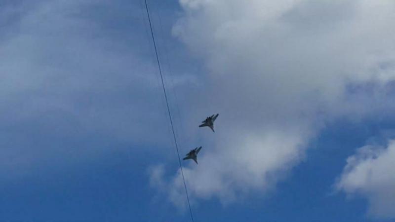 Репетиция воздушного парада ко Дню ВМФ на Замшиной улице