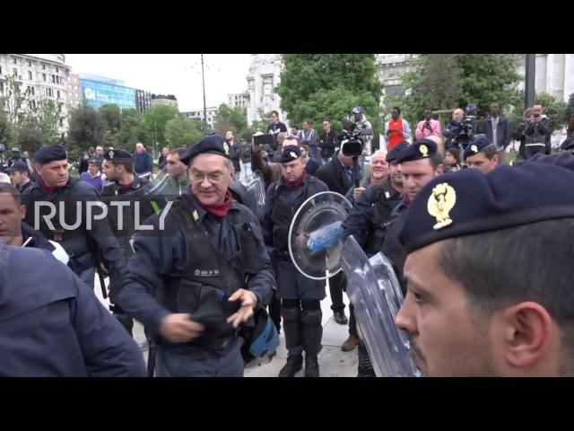 Италия: Мигранты выселены, поскольку полиция разбила временный лагерь в Милане.