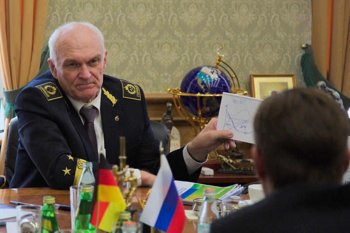 Ректор Владимир Литвиненко заработал в 300 раз больше обычного преподавателя за год