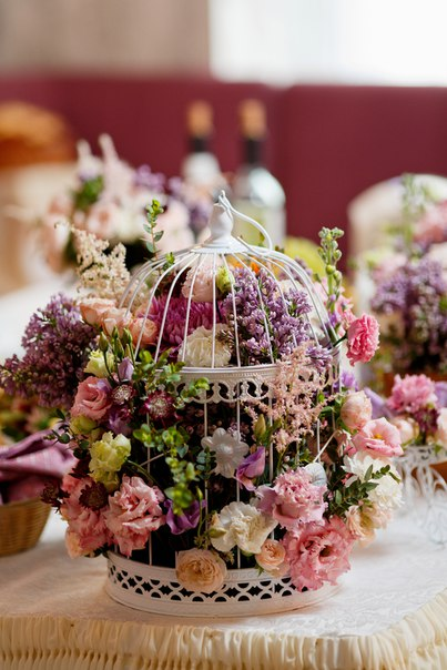 Композиция в клетке. Декор и флористика: Friday Flowers; Фотограф: Дмитрий Никитин (nikitindmitry.com)