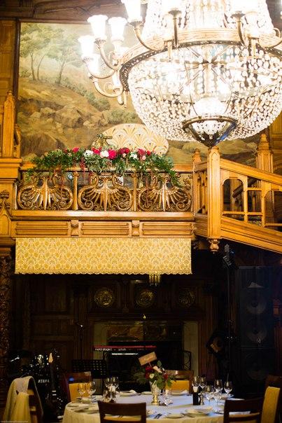 Оформление балкона. Декор и флористика: Friday Flowers; Фотограф: Инна Зайцева (innazaytseva.com)