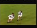 Юпп Хайнкес (Боруссия Мёнхенгладбах) красивый мяч 23 мая 1973 года в финале Кубка УЕФА против Ливерпуля