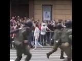 День России в Москве: задержание под гимн