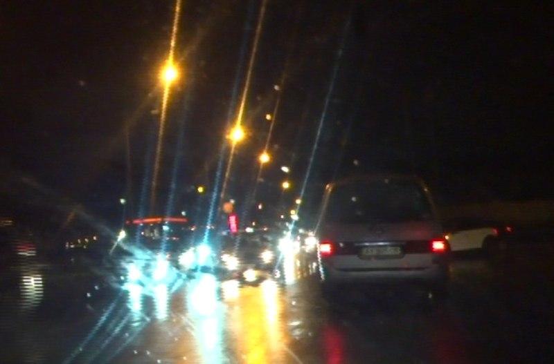 Осенняя непогода создала проблемы для жителей и гостей Харькова (ФОТО, ВИДЕО)