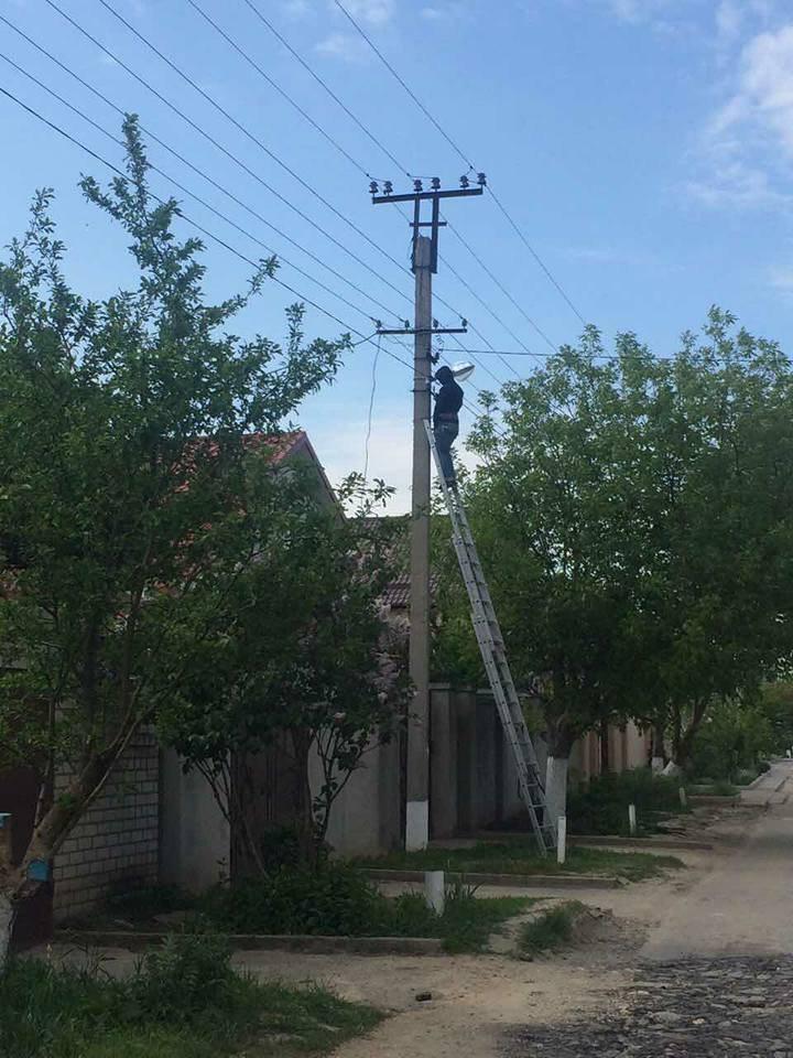 Антонівська селищна рада продовжує освітлювати вулиці