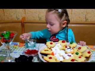 Готовим Как МАМА Печенье от Высокой КУХНИ Дети и родители пекут вкусняшки