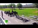 Омские курсанты разобрали УАЗ и собрали его обратно за 3 5 минуты