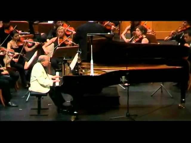 Menahem Pressler plays Mozart, Conductor : Peter Csaba