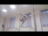 Тренировка по балансам и акробатике