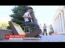 14 річний слабозорий хлопець збирає гроші на акордеон вуличними концертами