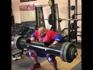 Брайан Шоу, подъем бревна 211 кг