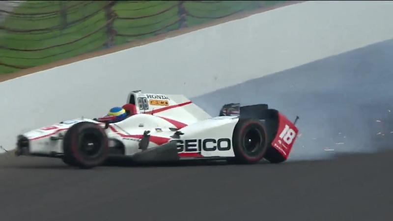 Автоспорт Indy 500. Гонщик Себастьен Бурдэ выжил после аварии на скорости около 370 км/ч