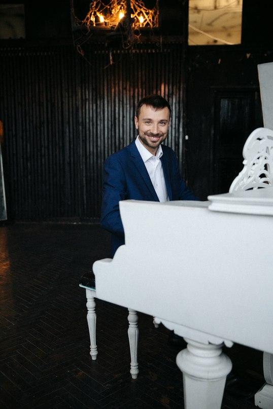 Евгений Анучин  