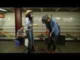 Miley Cyrus и Jimmy Fallon удивили всех своим появлением и игрой в метро