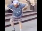 То чувство, когда бабуля танцует лучше меня!)