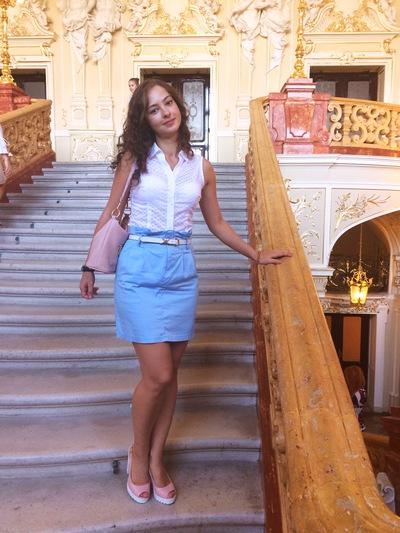 Анна Столяр