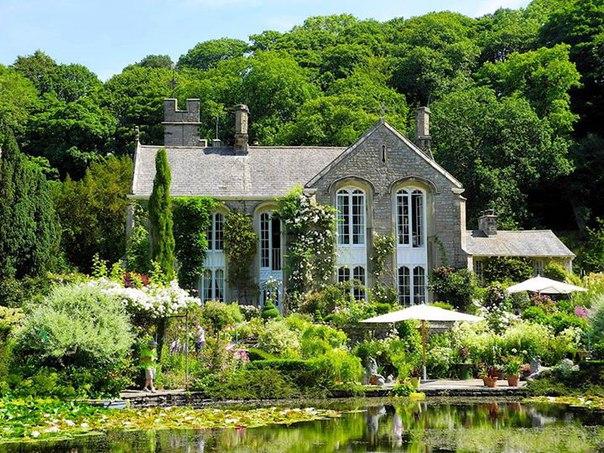 Сады Гресгарт Холл, Англия.