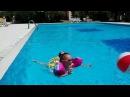 Baby Born and Melissa Swim in the pool ИГРЫ В БАССЕЙНЕ ⛱🏀 Русалки в воде НАДУВНОЙ МЯЧ Melissa Tv