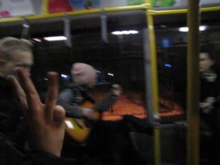Душевные песни в автобусе :)