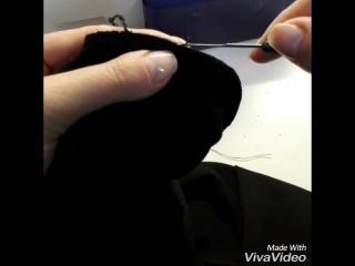 Как заправить оверлочную нить