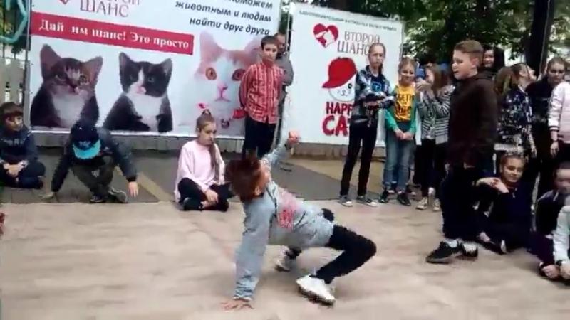ИВАН БУЛОХОВ | 1\4 FINAL HIP HOP KIDS BATTLE | HAPPY CAT FESTIVAL 2017