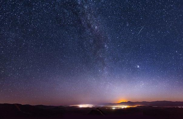 Чтобы увидеть чудо, достаточно посмотреть в ночное небо, не правда ли?