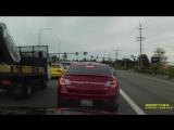 США. падения самолета Piper PA-32 на шоссе в городе Мекилтео. Сьемка авторегистратром